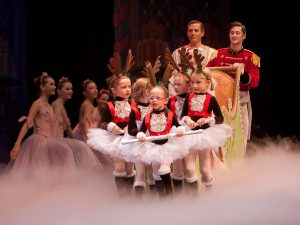 1-onstage-and-backstage-at-the-nutcracker-2011-9